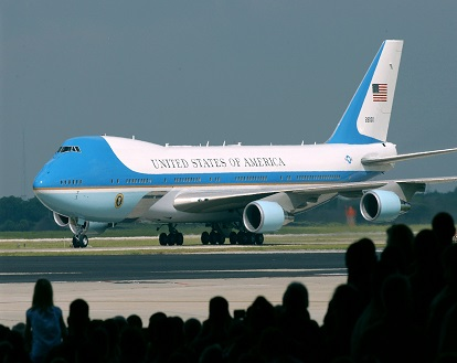 MACDILL AIR FORCE BASE, Fla. -- Air Force One carrying President George W. Bush taxies on the flightline here June 16. The president delivered a speech that was broadcast live to servicemembers worldwide. He said with the transfer of sovereignty two weeks away, the future of a free Iraq is coming into view. (U.S. Air Force photo by Airman 1st Class Jason P. Robertson)